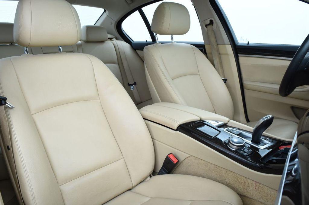 2015 BMW 5 Series 528i xDrive - 18401740 - 28