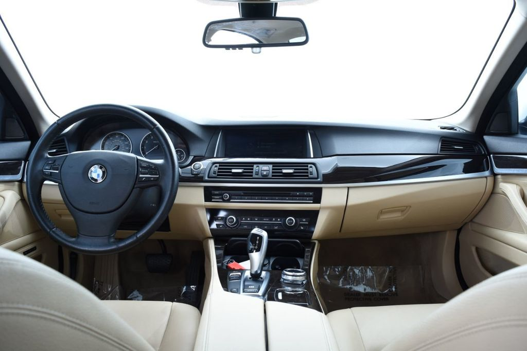 2015 BMW 5 Series 528i xDrive - 18401740 - 29