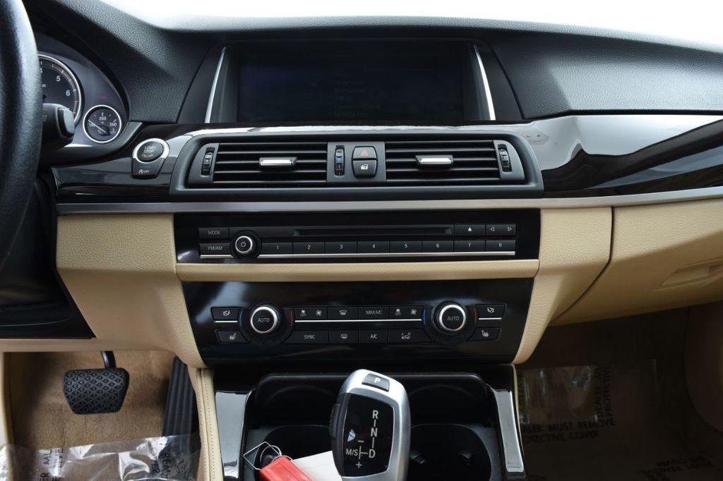 2015 BMW 5 Series 528i xDrive - 18401740 - 31