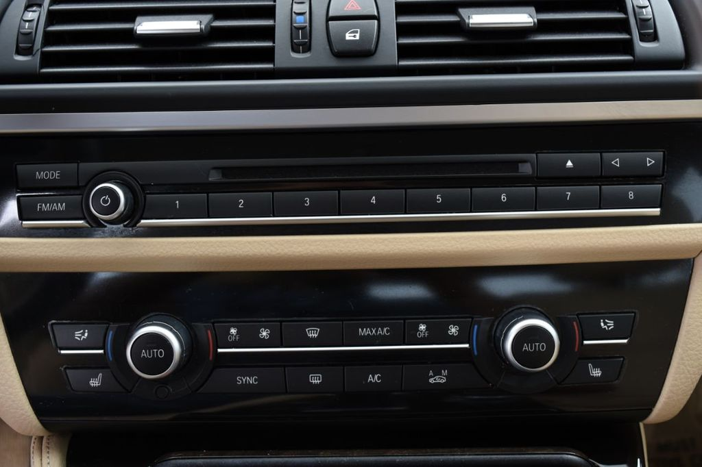 2015 BMW 5 Series 528i xDrive - 18401740 - 36