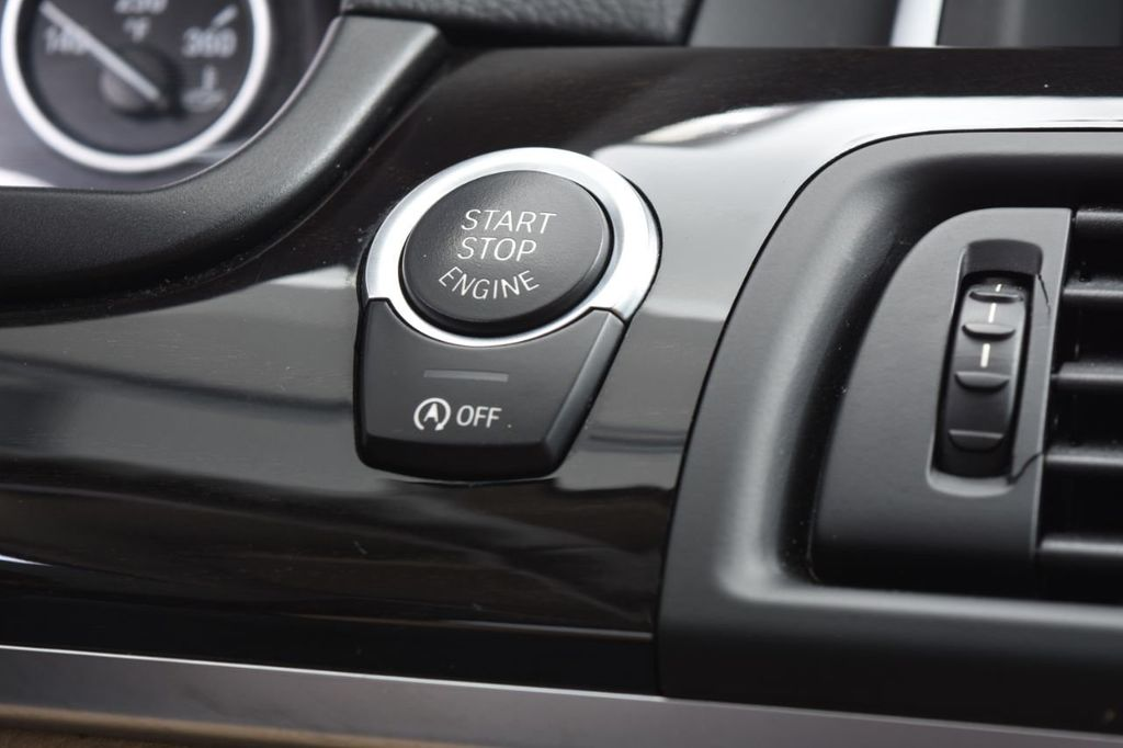 2015 BMW 5 Series 528i xDrive - 18401740 - 40