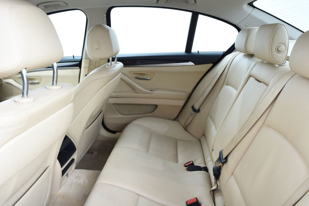 2015 BMW 5 Series 528i xDrive - 18401740 - 43