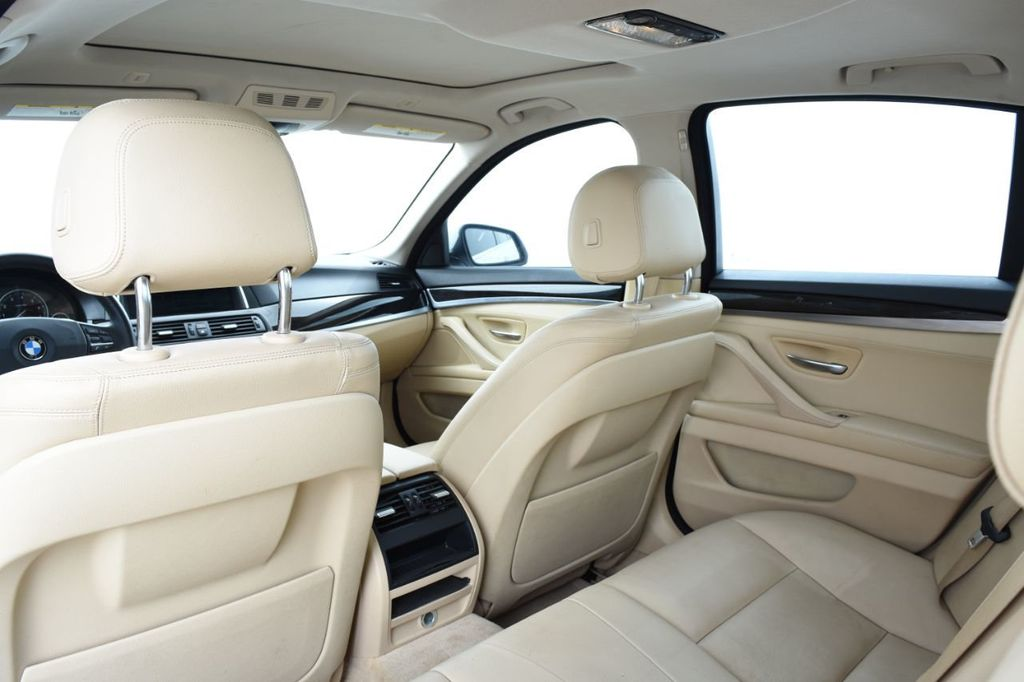 2015 BMW 5 Series 528i xDrive - 18401740 - 44