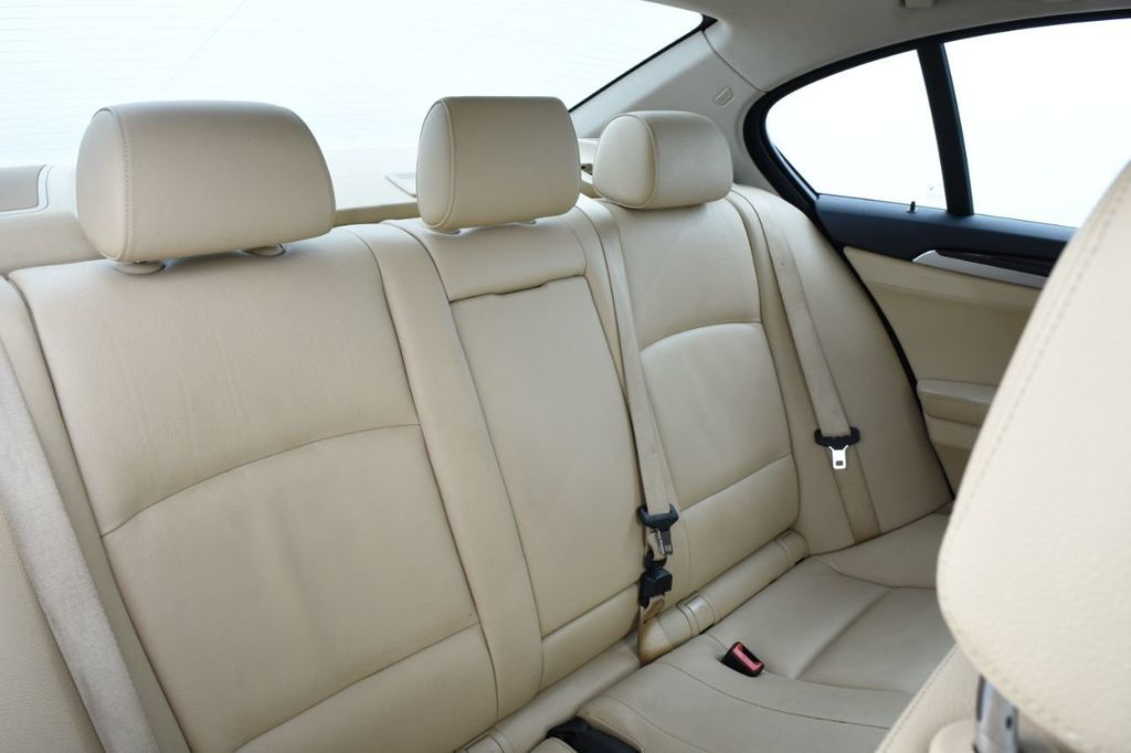 2015 BMW 5 Series 528i xDrive - 18401740 - 45