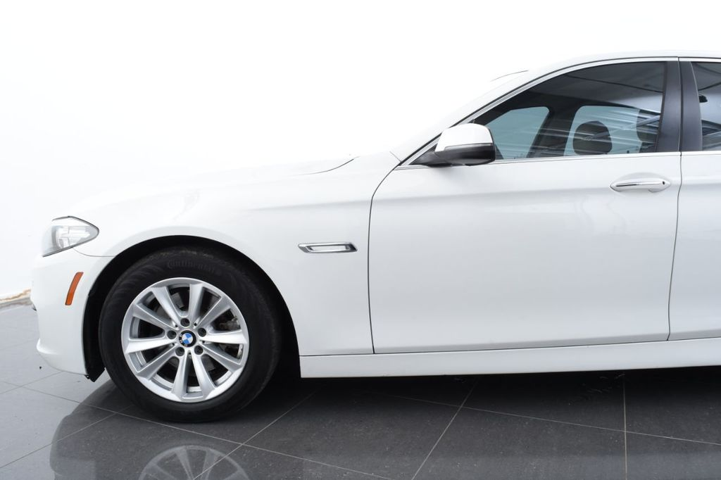 2015 BMW 5 Series 528i xDrive - 18401740 - 4