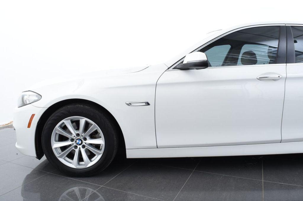 2015 BMW 5 Series 528i xDrive - 18401740 - 4