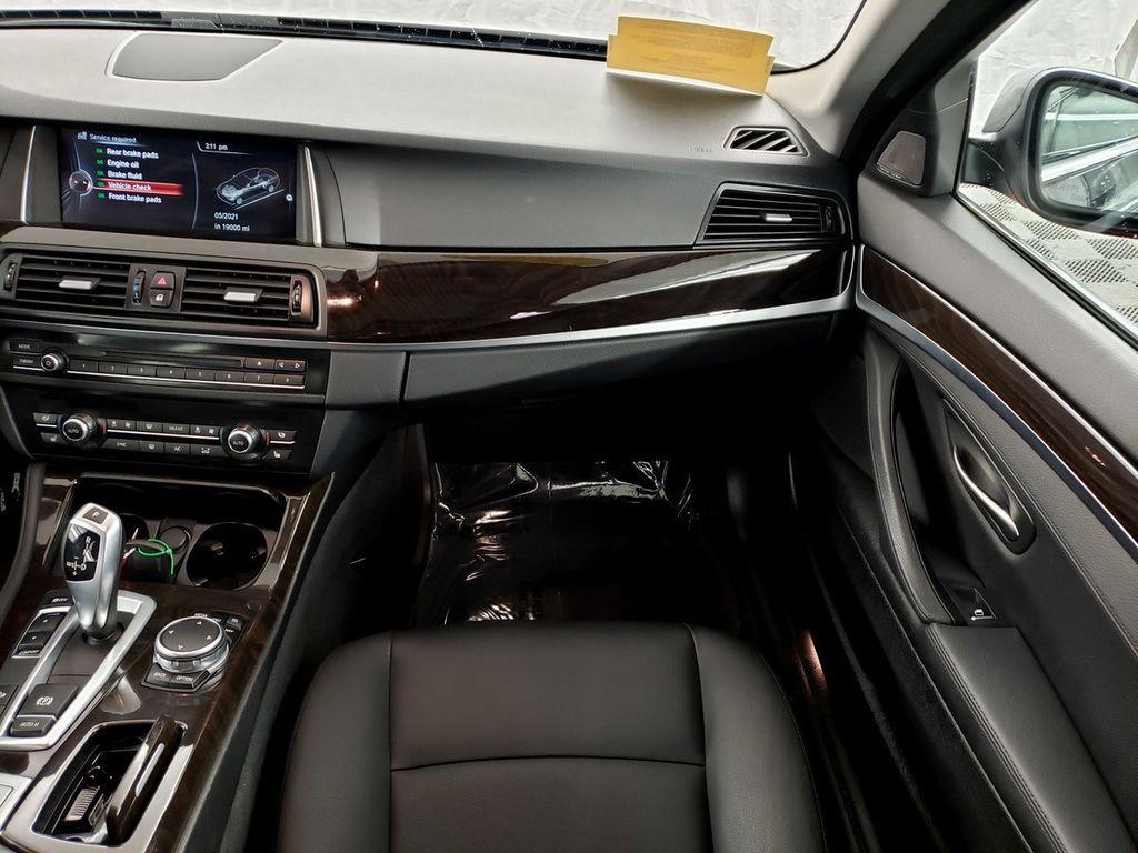 2015 BMW 5 Series 528i xDrive - 18253639 - 12