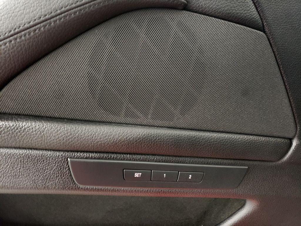 2015 BMW 5 Series 528i xDrive - 18253639 - 15