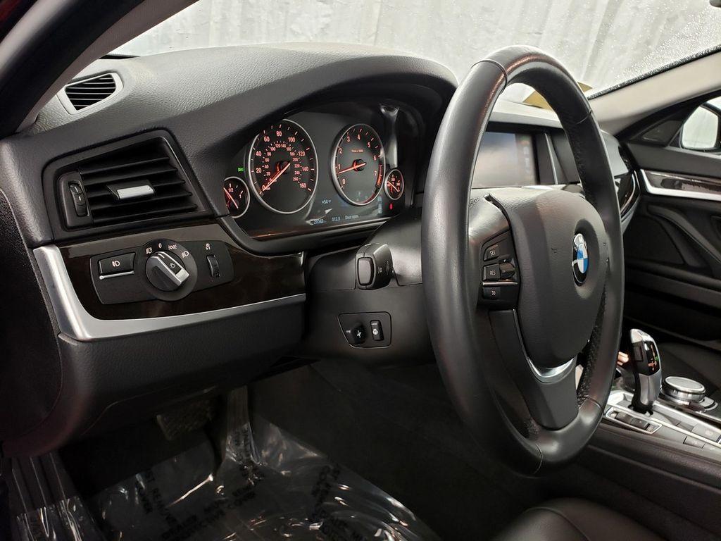 2015 BMW 5 Series 528i xDrive - 18253639 - 16