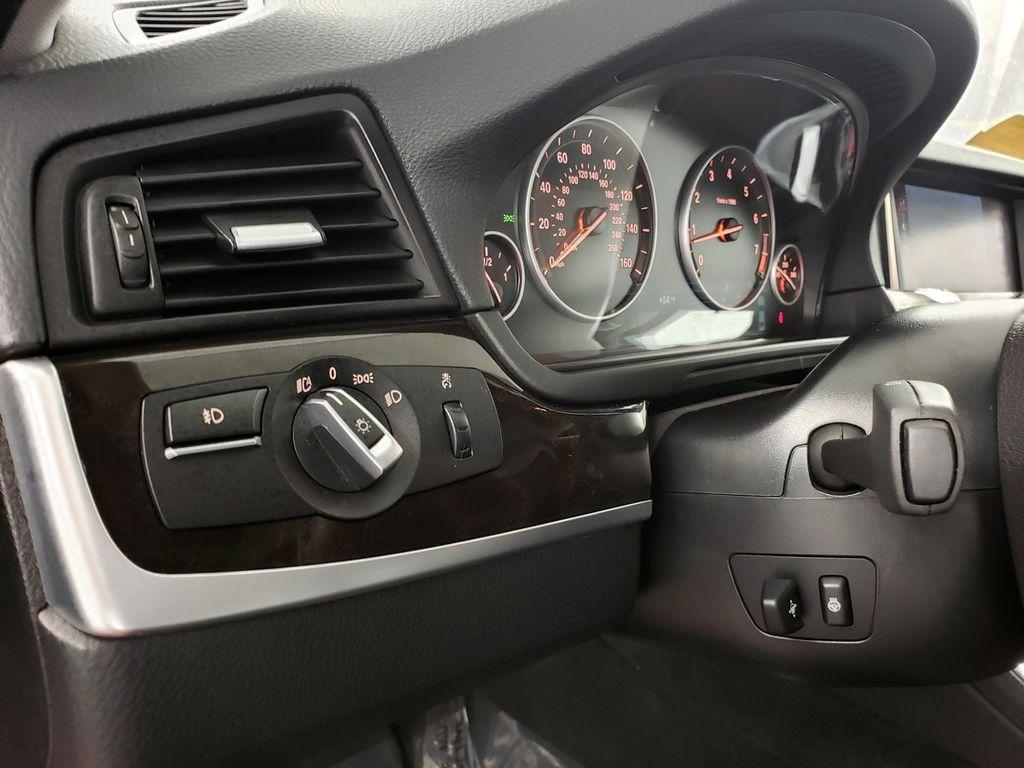2015 BMW 5 Series 528i xDrive - 18253639 - 17