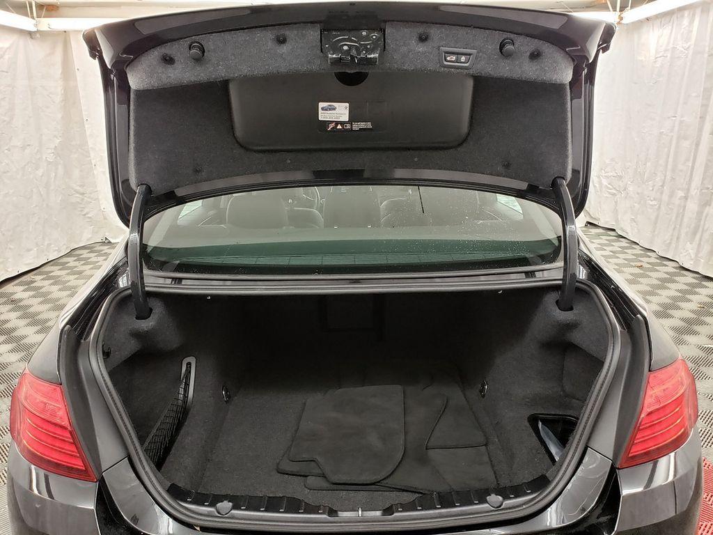 2015 BMW 5 Series 528i xDrive - 18253639 - 31