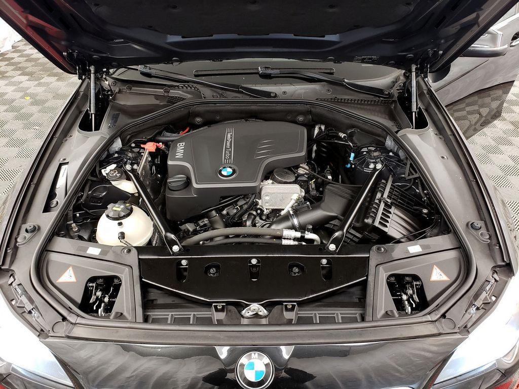 2015 BMW 5 Series 528i xDrive - 18253639 - 34