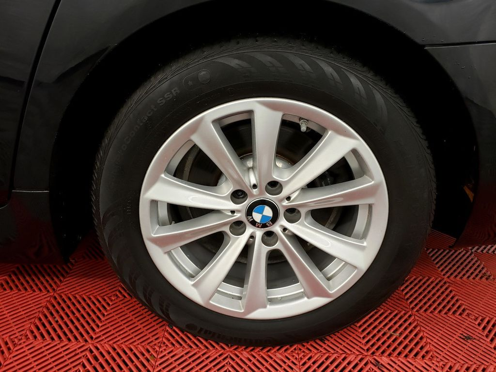 2015 BMW 5 Series 528i xDrive - 18253639 - 35