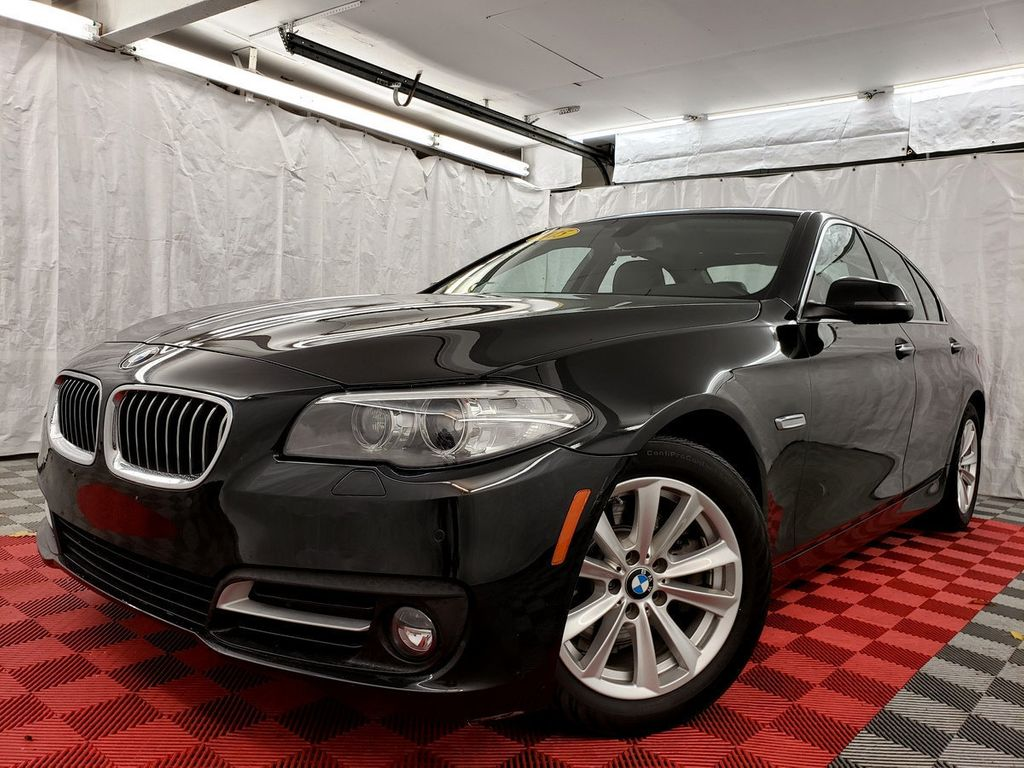 2015 BMW 5 Series 528i xDrive - 18253639 - 36