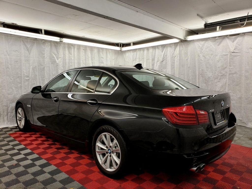 2015 BMW 5 Series 528i xDrive - 18253639 - 3
