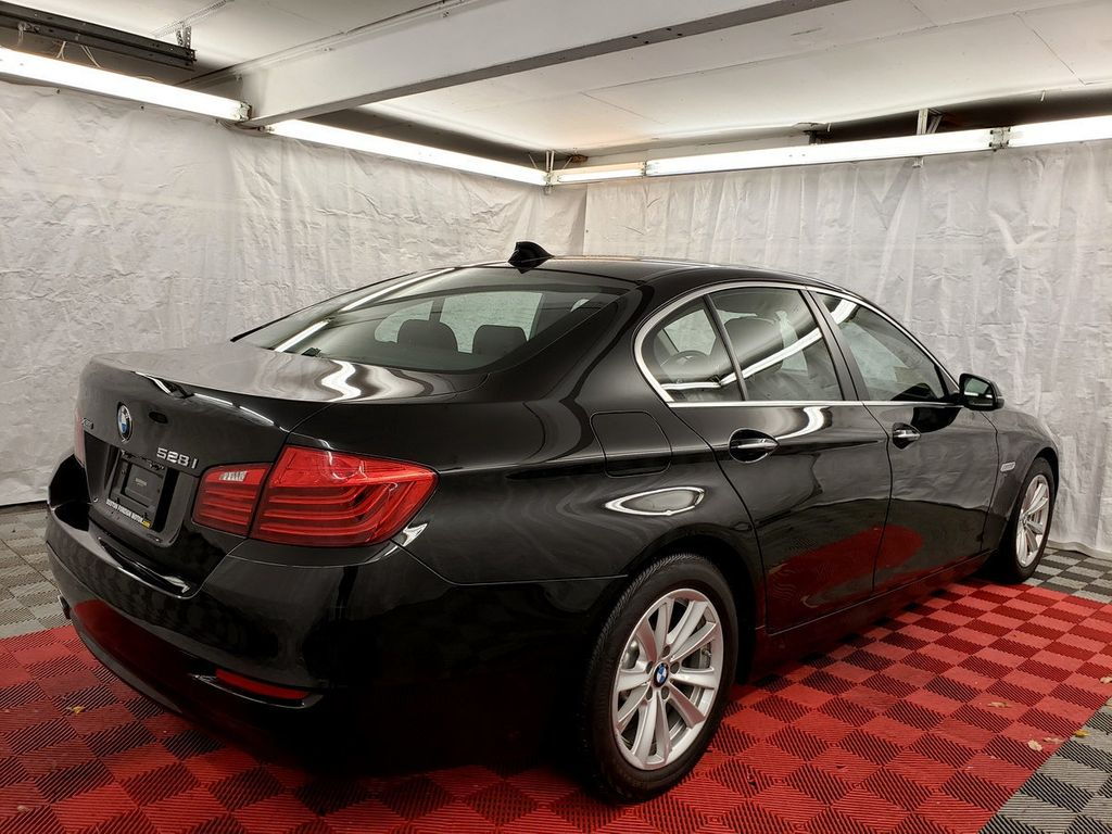 2015 BMW 5 Series 528i xDrive - 18253639 - 5