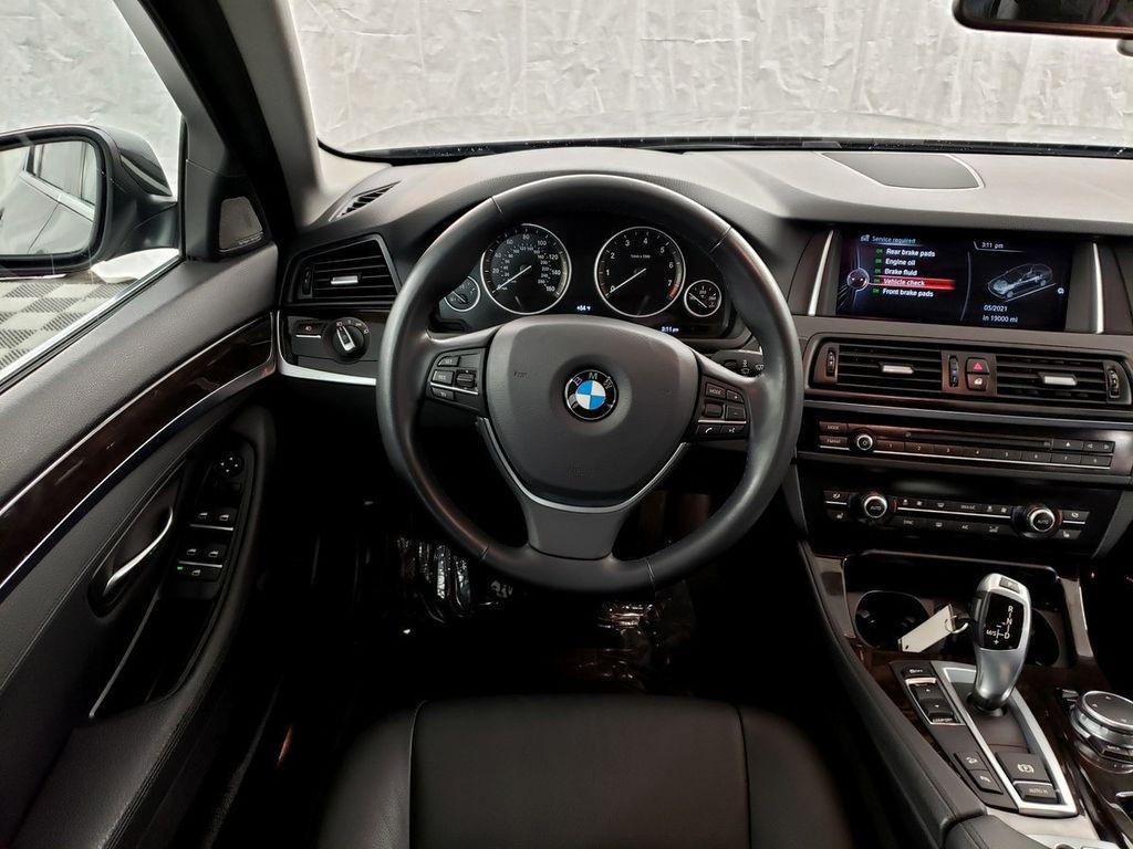 2015 BMW 5 Series 528i xDrive - 18253639 - 6