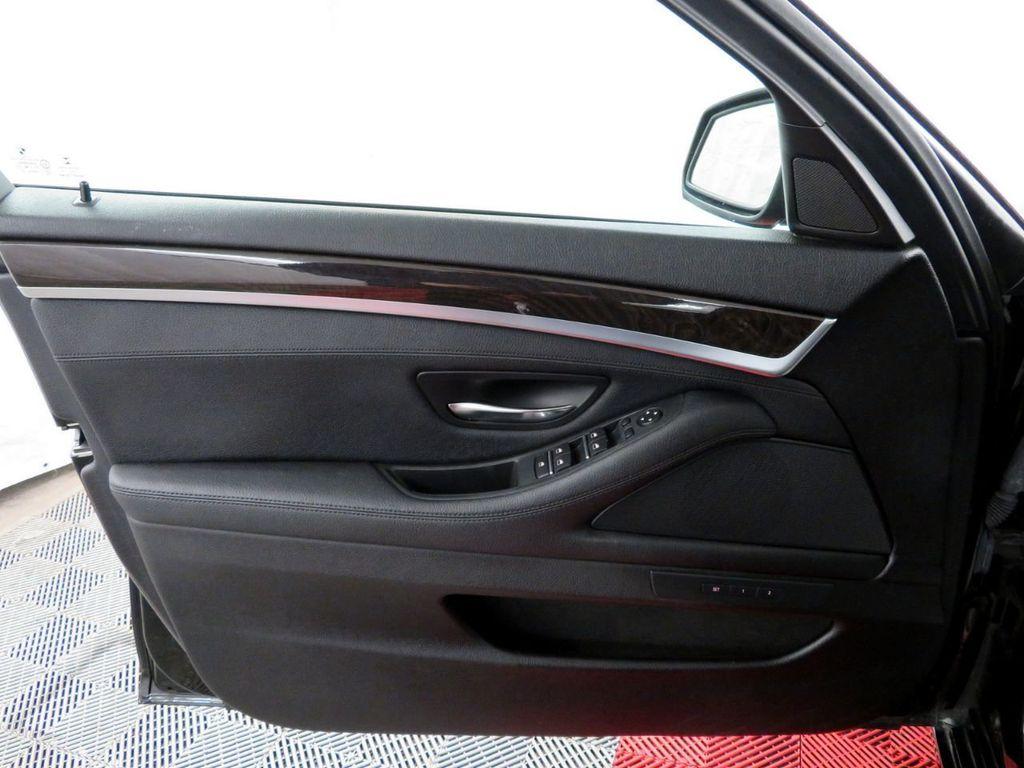 2015 BMW 5 Series 528i xDrive - 18515963 - 14