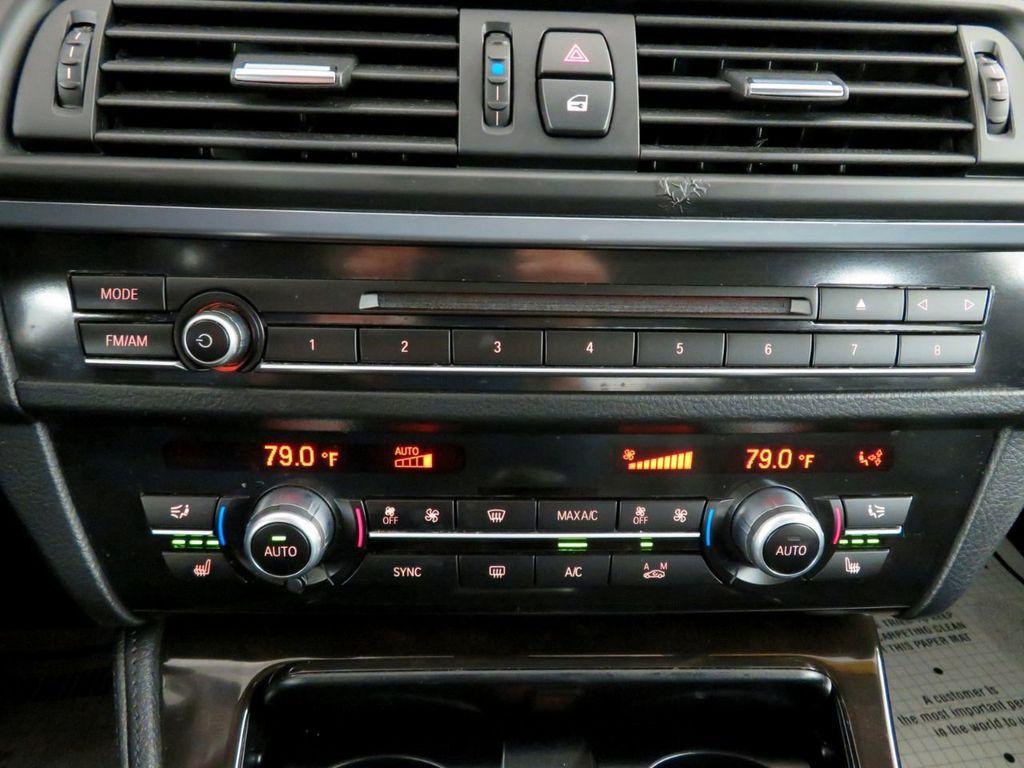 2015 BMW 5 Series 528i xDrive - 18515963 - 29