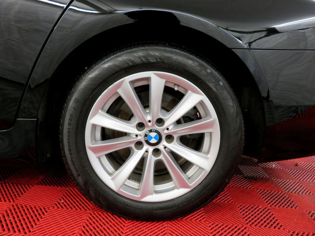 2015 BMW 5 Series 528i xDrive - 18515963 - 36