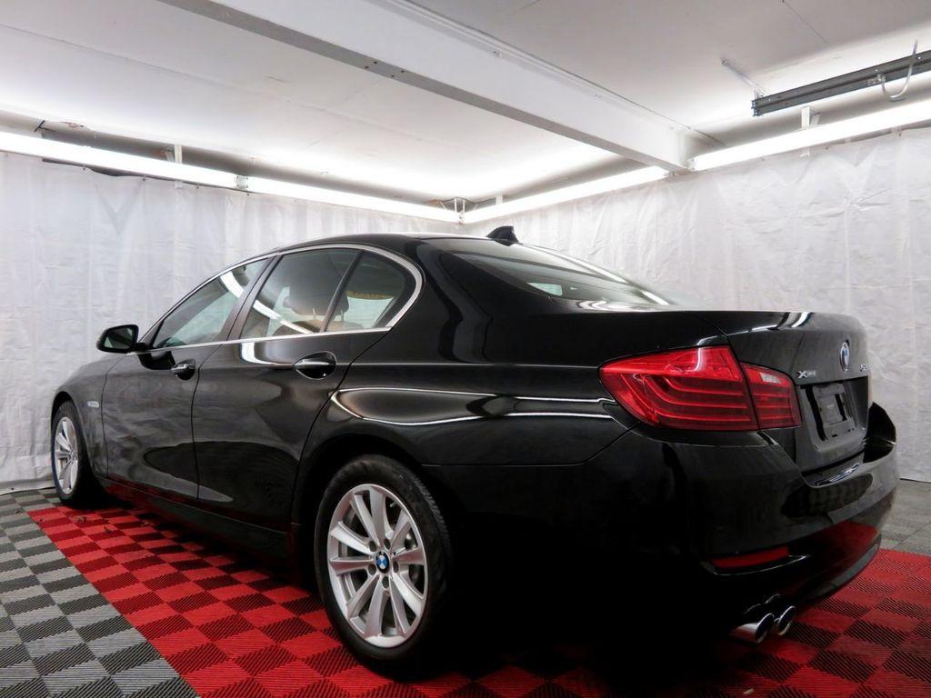 2015 BMW 5 Series 528i xDrive - 18515963 - 3