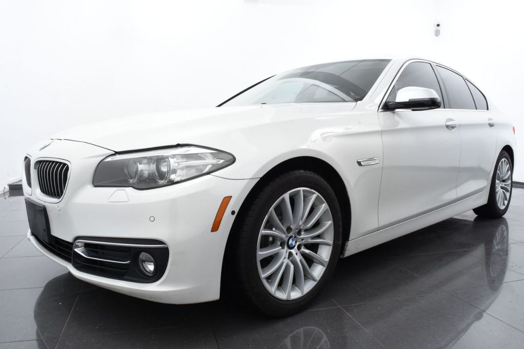 2015 BMW 5 Series LUXURY LINE - 17971224 - 0