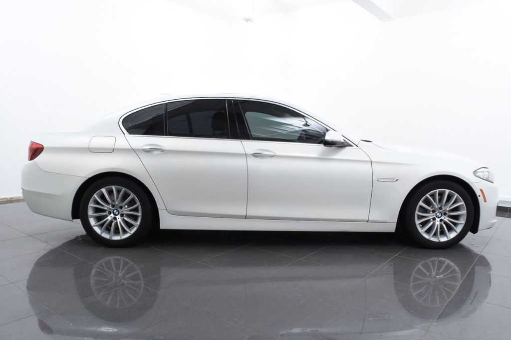 2015 BMW 5 Series LUXURY LINE - 17971224 - 11