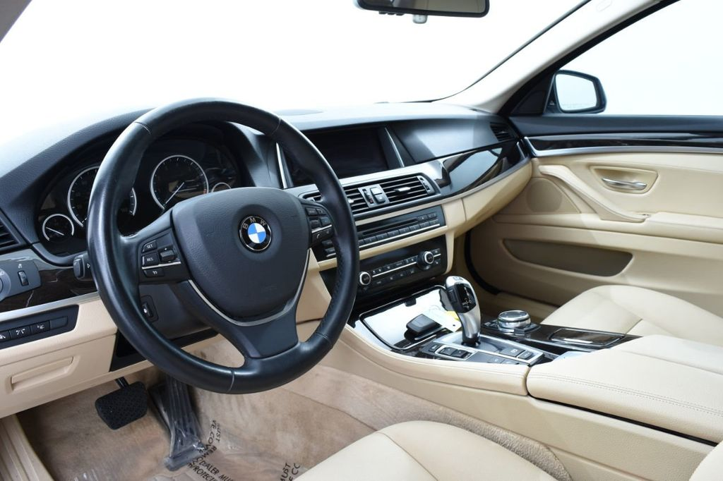 2015 BMW 5 Series LUXURY LINE - 17971224 - 24