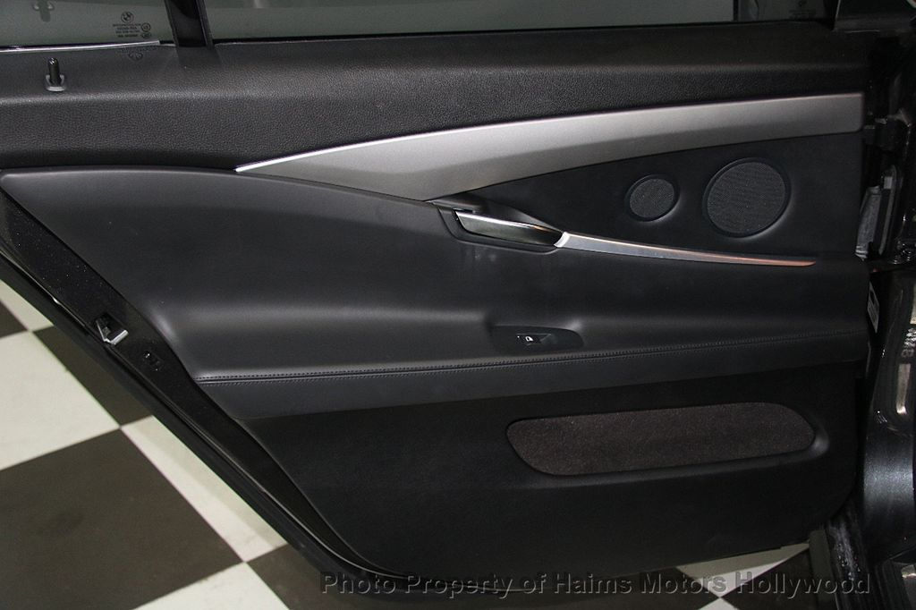 2015 BMW 5 Series Gran Turismo 535i Gran Turismo - 17160364 - 12