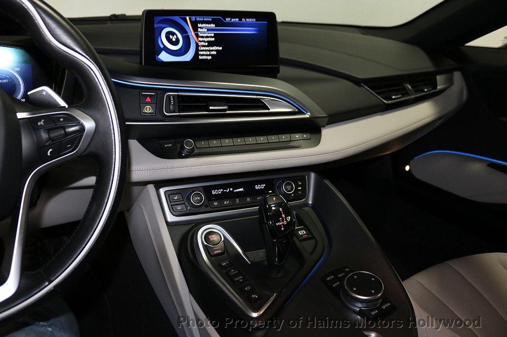 2015 BMW i8  - 18272704 - 19
