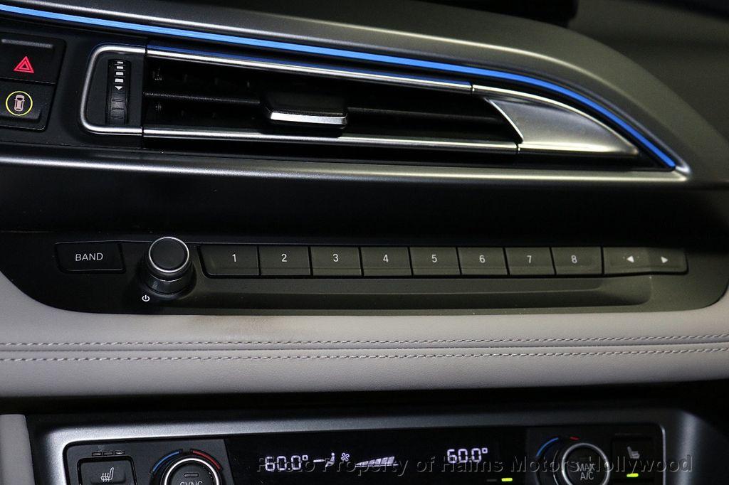 2015 BMW i8  - 18272704 - 20