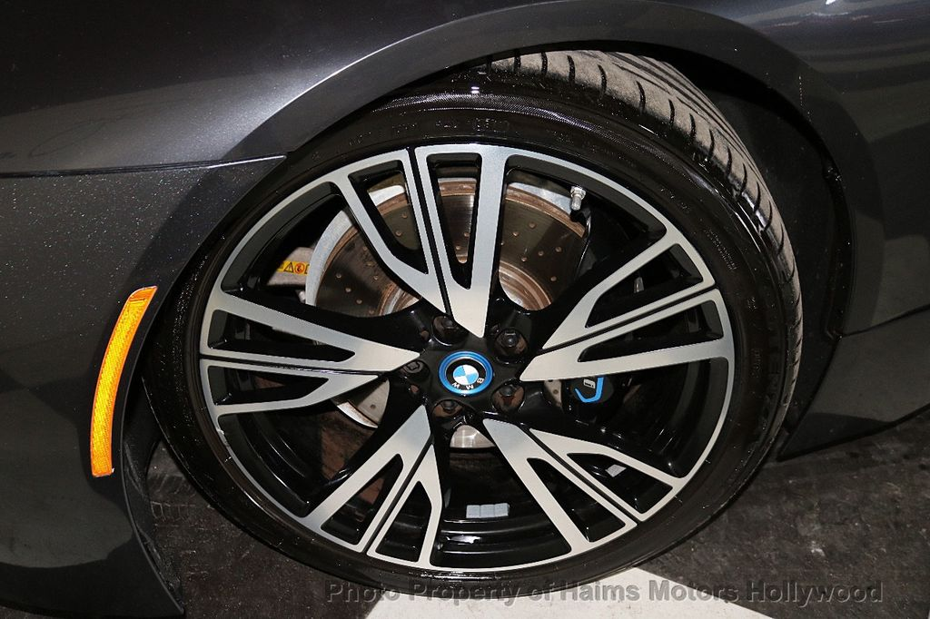 2015 BMW i8  - 18272704 - 36