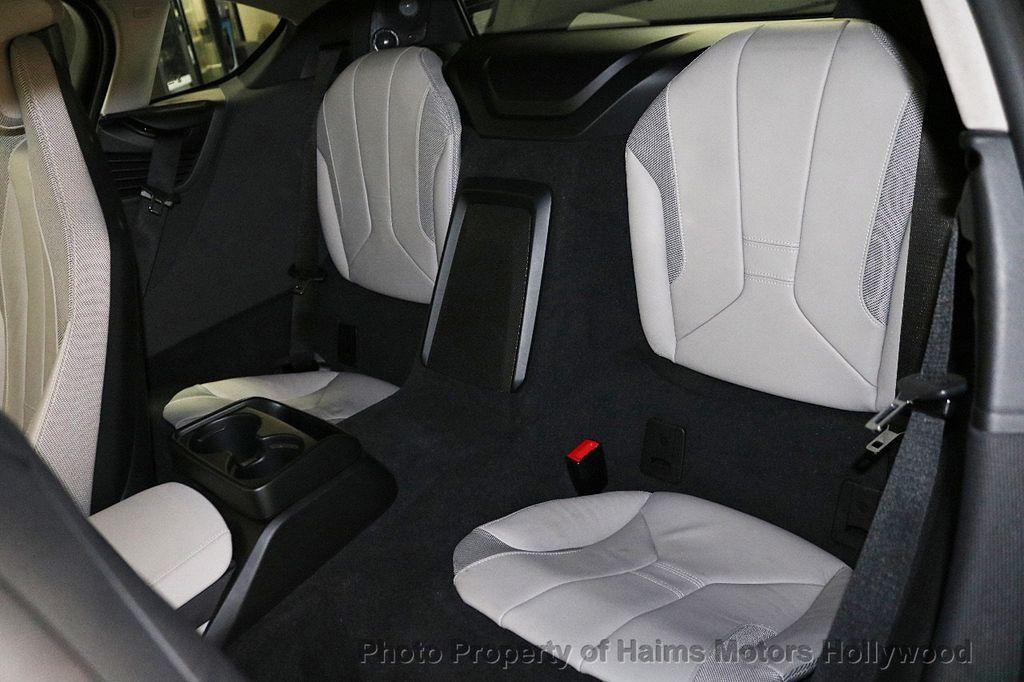 2015 BMW i8  - 18403372 - 15