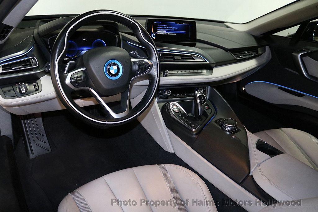 2015 BMW i8  - 18403372 - 17