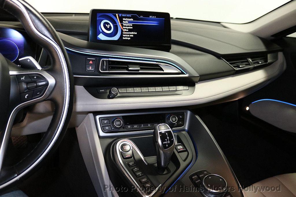 2015 BMW i8  - 18403372 - 18