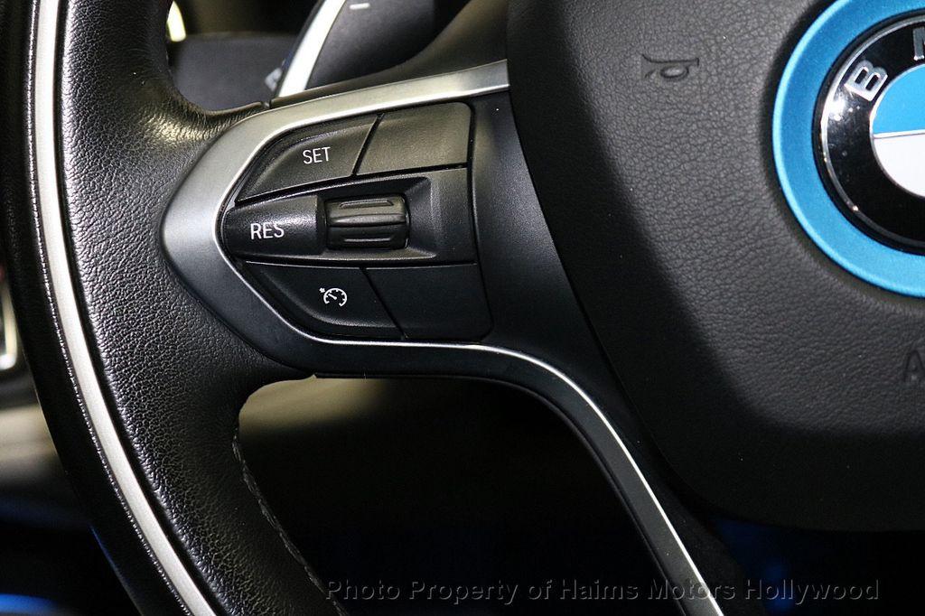 2015 BMW i8  - 18403372 - 24