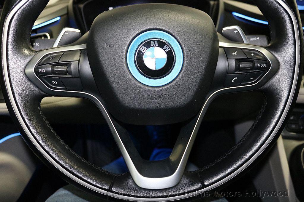 2015 BMW i8  - 18403372 - 26