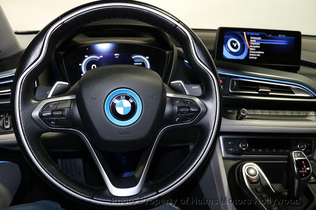 2015 BMW i8  - 18403372 - 27