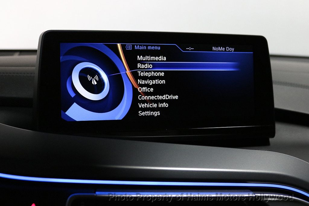 2015 BMW i8  - 18403372 - 29