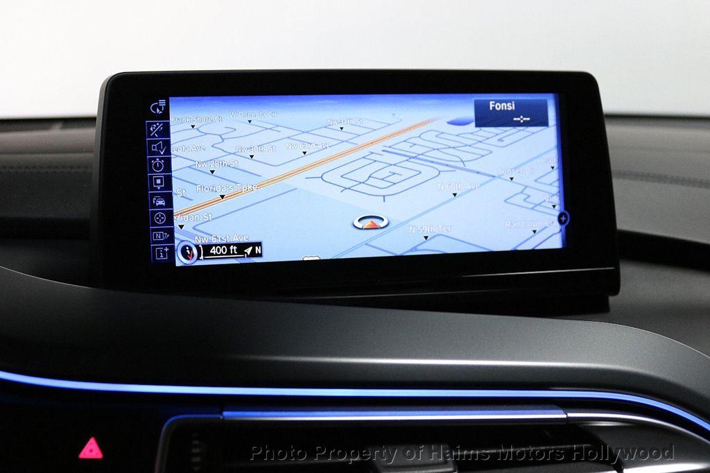 2015 BMW i8  - 18403372 - 30