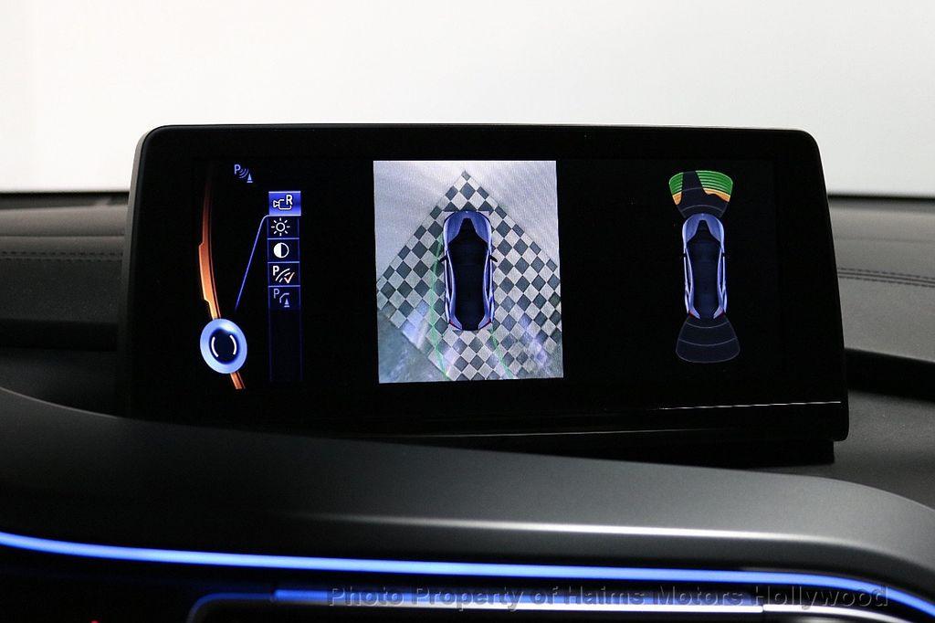 2015 BMW i8  - 18403372 - 31