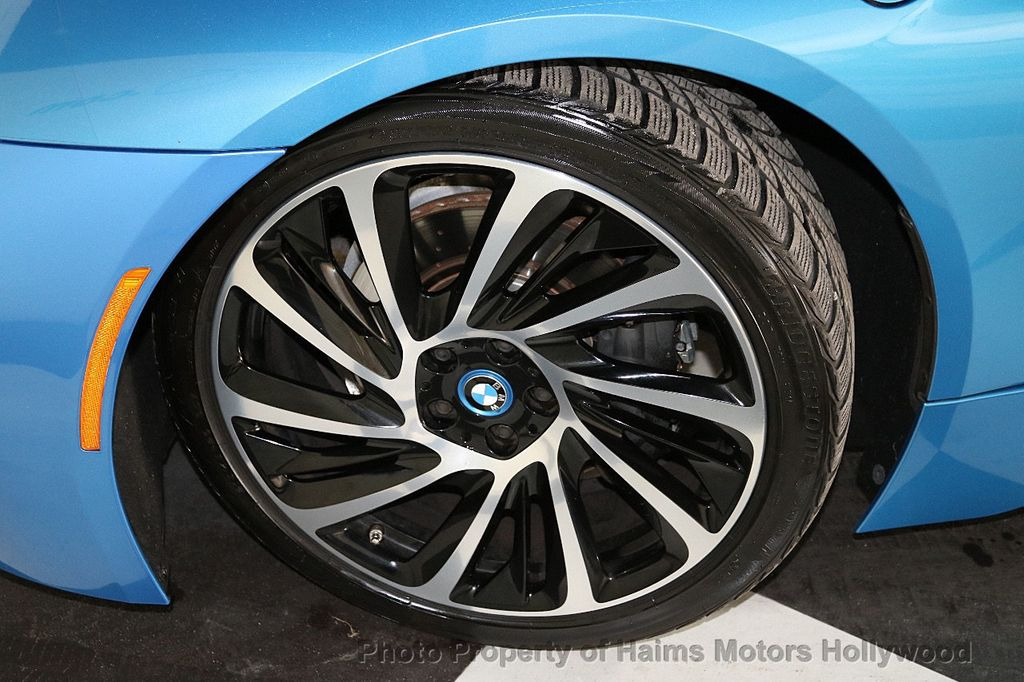 2015 BMW i8  - 18403372 - 35