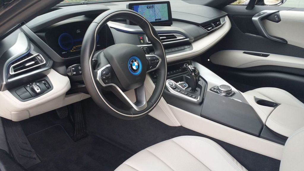 2015 BMW i8 PURE IMPULSE i8 PURE IMPULSE WORLD EDITION - 17048581 - 16