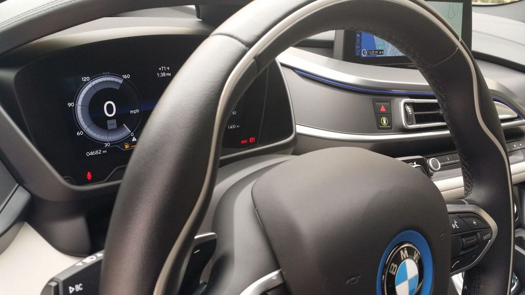 2015 BMW i8 PURE IMPULSE i8 PURE IMPULSE WORLD EDITION - 17048581 - 19