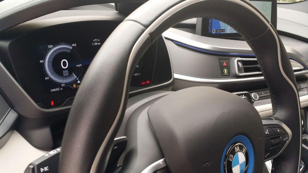 2015 BMW i8 PURE IMPULSE i8 PURE IMPULSE WORLD EDITION - 17048581 - 19