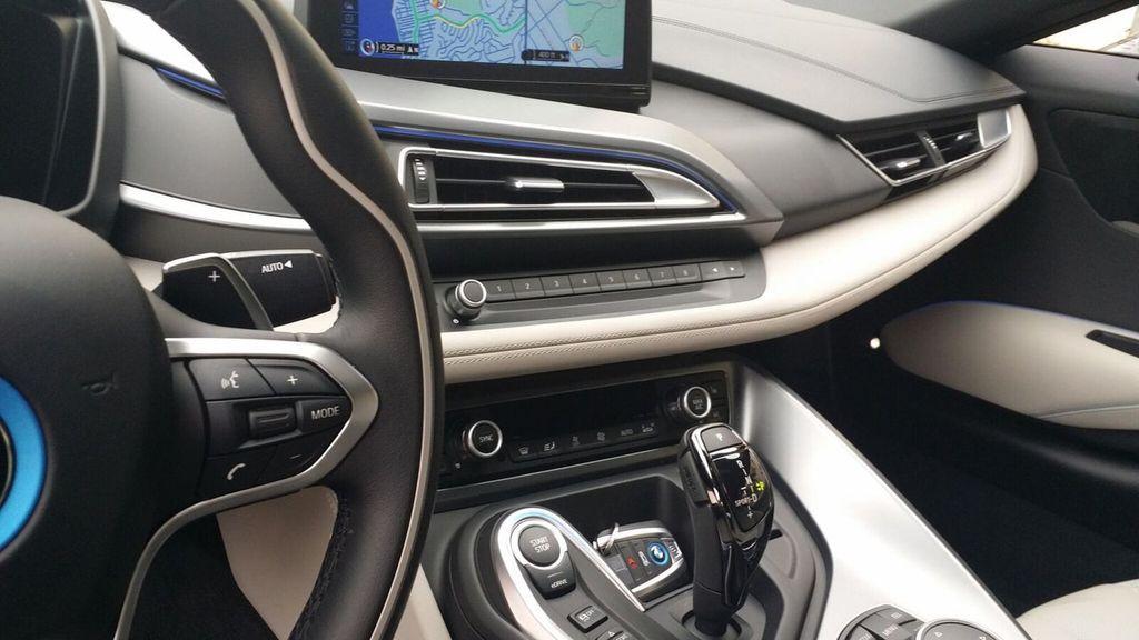 2015 BMW i8 PURE IMPULSE i8 PURE IMPULSE WORLD EDITION - 17048581 - 20