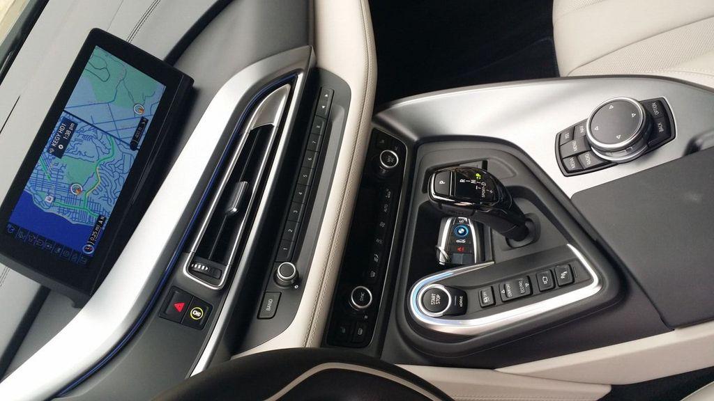 2015 BMW i8 PURE IMPULSE i8 PURE IMPULSE WORLD EDITION - 17048581 - 21