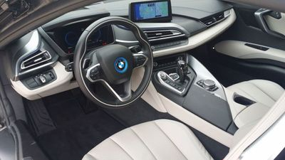 2015 BMW i8 PURE IMPULSE i8 PURE IMPULSE WORLD EDITION - Click to see full-size photo viewer