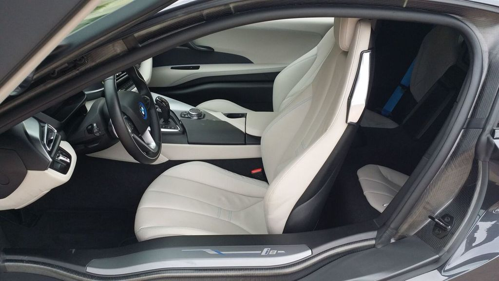 2015 BMW i8 PURE IMPULSE i8 PURE IMPULSE WORLD EDITION - 17048581 - 25