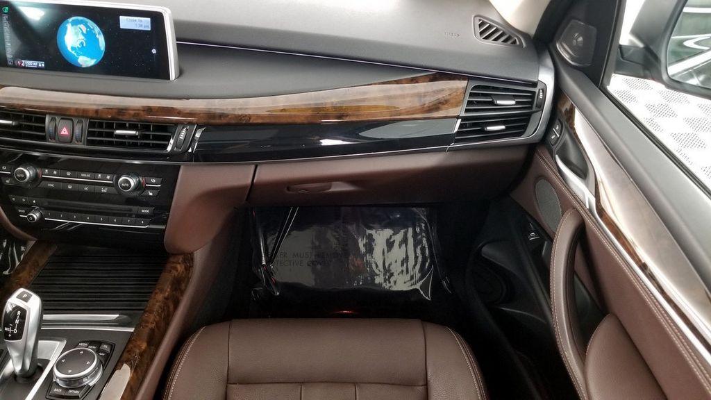 2015 BMW X5 xDrive35i - 18146477 - 16